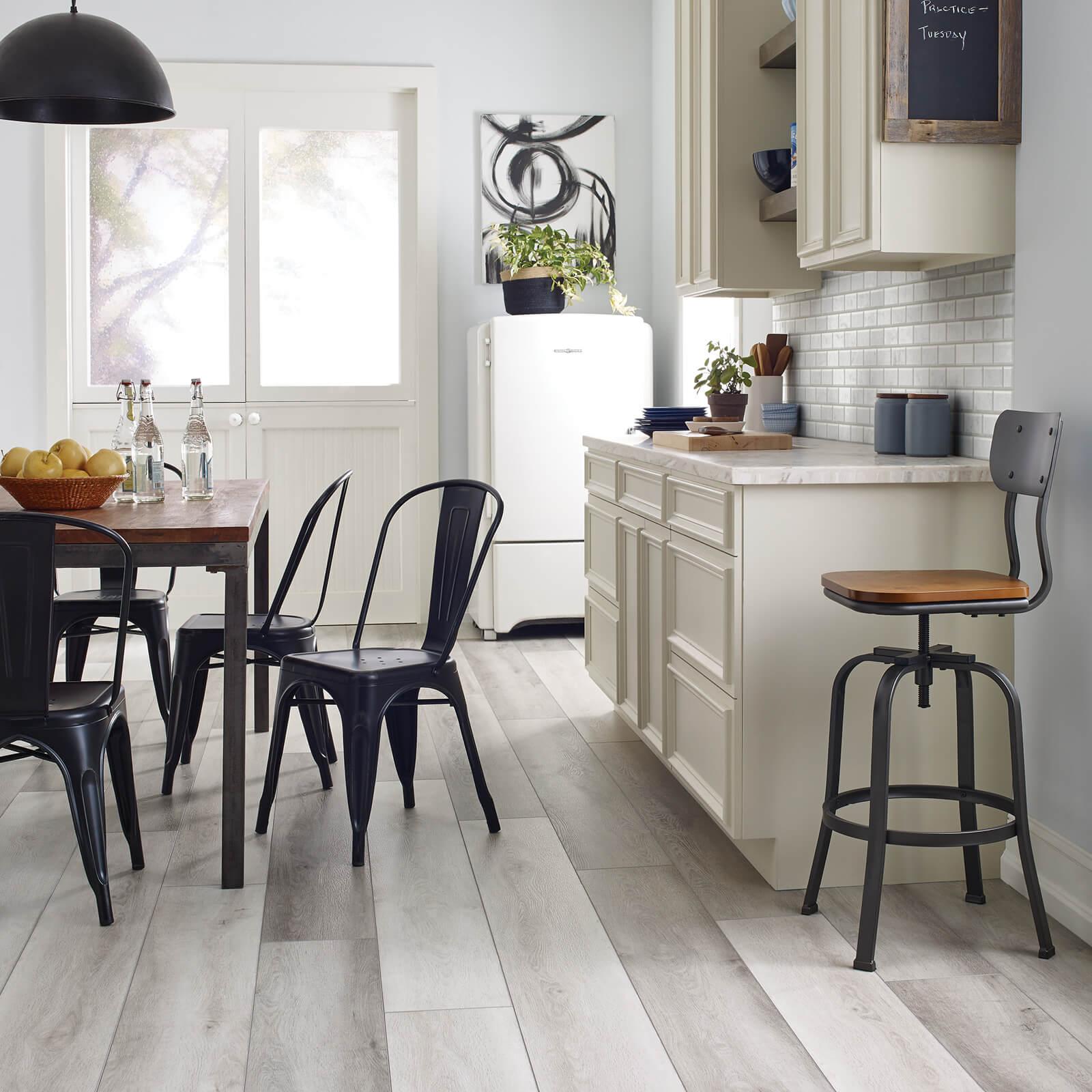 Dining room | McSwain Carpet & Floors